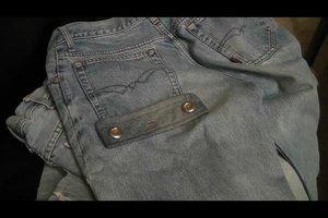 Zerrissene Jeans nähen - so flicken Sie die Hose