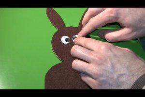 Lustige Osterkarte basteln - Anleitung für schielende Papphasen