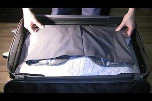 Anzug zusammenlegen - Koffer packen leicht gemacht
