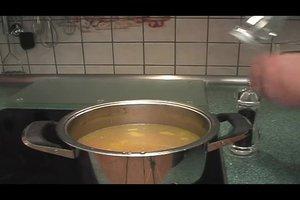 Hühnersuppe selber machen - ein leckeres Rezept
