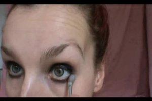 Panda-Augen-Effekt schminken - Anleitung