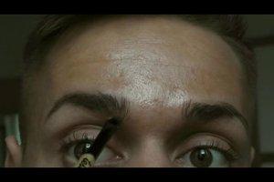 Augenbrauen malen - so schminken Sie sich richtig