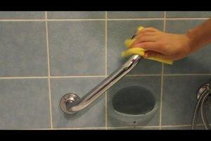 Verkalkte Duschkabine reinigen - so geht´s