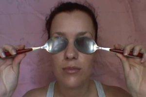 Geschwollene Augenlider morgens - so verschaffen Sie sich Abhilfe