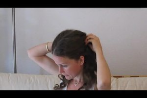 Frisuren für Locken - so bändigen Sie Ihre Löwenmähne im Büro