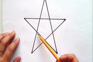 Ein Pentagramm zeichnen – so gelingt's mit Lineal und Geodreieck
