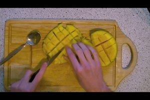 Wie schneidet man eine Mango?