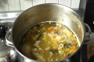 Wie lange muss ein Suppenhuhn kochen? - Hühnersuppenrezept
