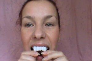 Vampirzähne zum Ankleben - so halten sie sicher