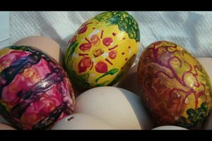 Gefärbte Ostereier - so gelingen individuelle Motive