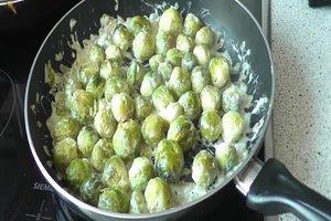 Mit Rosenkohl Kalorien sparen - Rezept für eine gesunde Gemüsebeilage