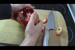 Granatapfel - Anleitung für das richtige Öffnen der Frucht