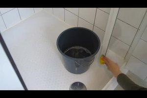 Duschkabine reinigen - so geht's mit Hausmitteln