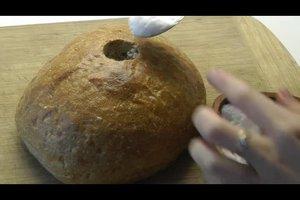 Zum Einzug Brot und Salz schenken - so verpacken Sie es originell