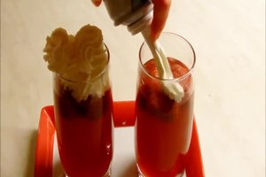Früchtepunsch selber machen - Rezepte mit und ohne Alkohol