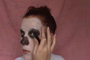 Halloween-Party - so schminken Sie sich als Skelett