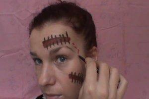 Zu Halloween schminken - Anleitung für eine Narbe