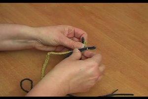 Geflochtene Armbänder selber machen - Anleitung