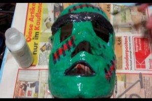 Halloween-Maske selber machen – so werden Sie zum Monster