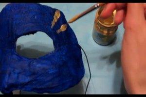 Masken für einen Maskenball selber machen