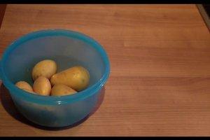 Kartoffeln in der Mikrowelle kochen - so geht's