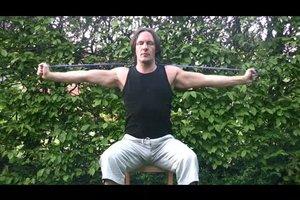 Rückenmuskulatur aufbauen - Übungen mit dem Theraband