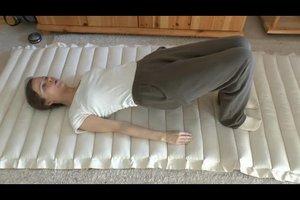 Hohlkreuz wegtrainieren - diese Übungen helfen