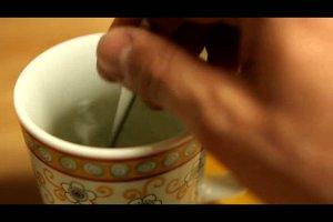 Ingwer bei Erkältung - so bereitet man Ingwerwasser zu