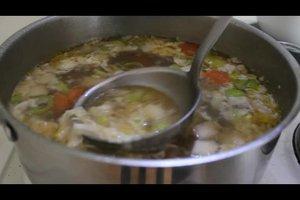 Suppe klären - so geht's mit Eiweiß