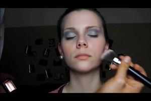 Zu Fasching eine Prinzessin schminken - so geht's kindgerecht
