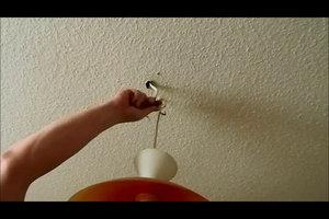 Deckenlampe anbringen - darauf sollten Sie achten