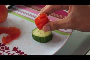 Wie schnitzt man Figuren aus Obst oder Gemüse?