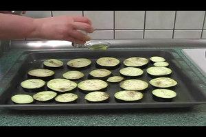 Aubergine im Backofen mediterran zubereiten