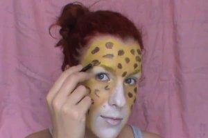 Fasching: Als Leopard schminken - so gelingt es