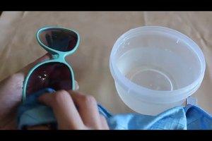 Plexiglas reinigen ohne Kratzer - Anleitung