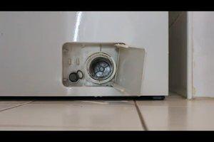Waschmaschine: Pumpe reinigen - so geht's