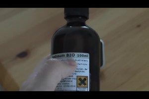 Teebaumöl - richtige Anwendung bei unreiner Haut