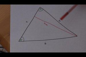 Wie berechnet man die Höhe eines Dreiecks - so geht's