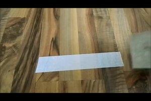 Doppelseitiges Klebeband entfernen - so klappt es ohne Rückstände