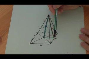 Die Höhe einer Pyramide berechnen - so geht's