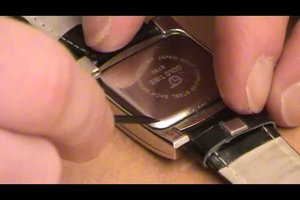 Uhrenbatterie wechseln