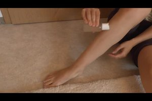 Nach dem Rasieren rote Punkte an den Beinen? - So pflegen Sie Ihre Haut geschmeidig