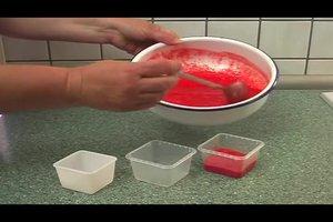Erdbeerpüree einfrieren - das sollten Sie dabei beachten