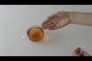 Schwarzer Tee auf die Augen - so funktioniert das Hausmittel