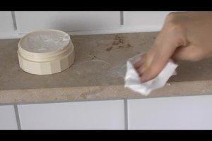 Auf Marmor Flecken entfernen - so geht's