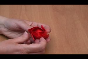 Origami - Bastelanleitung für eine Rose