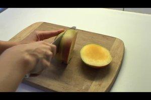 Eine Mango schneiden - so geht's richtig