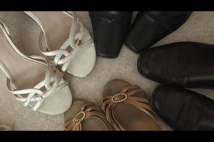 Welche Schuhe zu einem lila Kleid? - So kombinieren Sie stilsicher