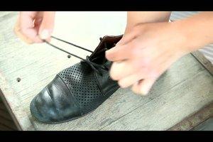 Schnürsenkel einmal anders binden
