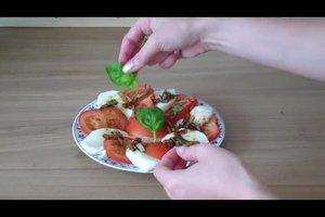 Tomate mit Mozzarella - ein Dressing, das die Gäste begeistert